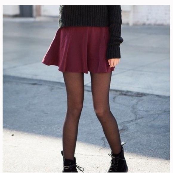 Brandy Melville Dresses & Skirts - brandy Melville Glenna Skirt!